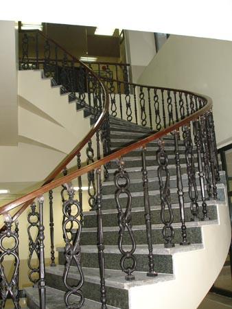 طرح خود اشتغالی تولید نرده و پله اماده ساختمان